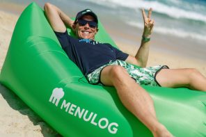 Menulog brings special deliveries </p> to the beach