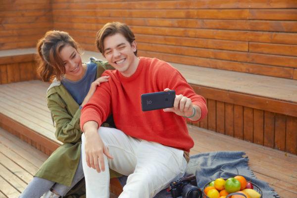 Alcatel 1V mobile