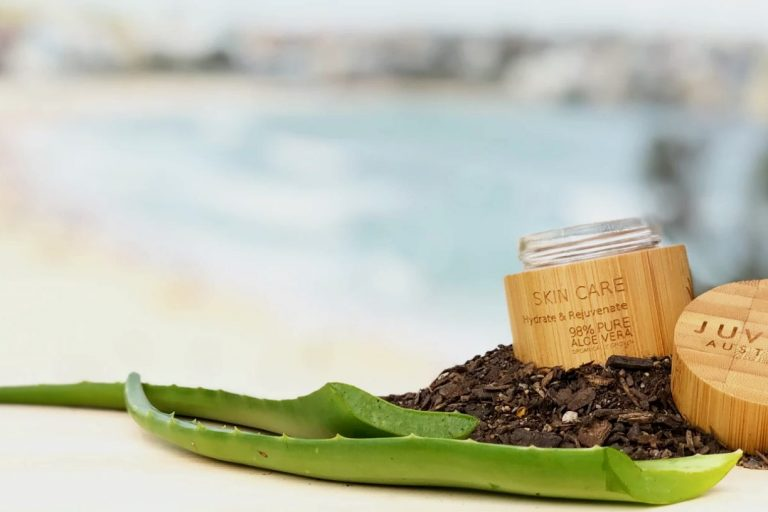 For the beauty of your skin and the health of our planet. Juvenis Australia